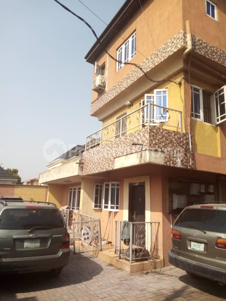 2 bedroom Terraced Duplex House for rent Medina Estate Atunrase Medina Gbagada Lagos - 13