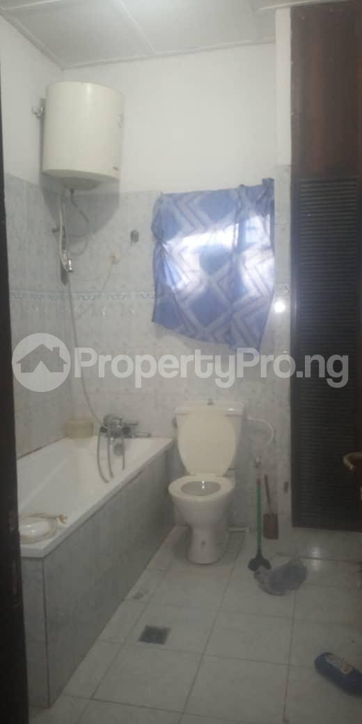 3 bedroom Blocks of Flats House for rent Femi OKUNNU Estate phase 3 Jakande Lekki Lagos - 8