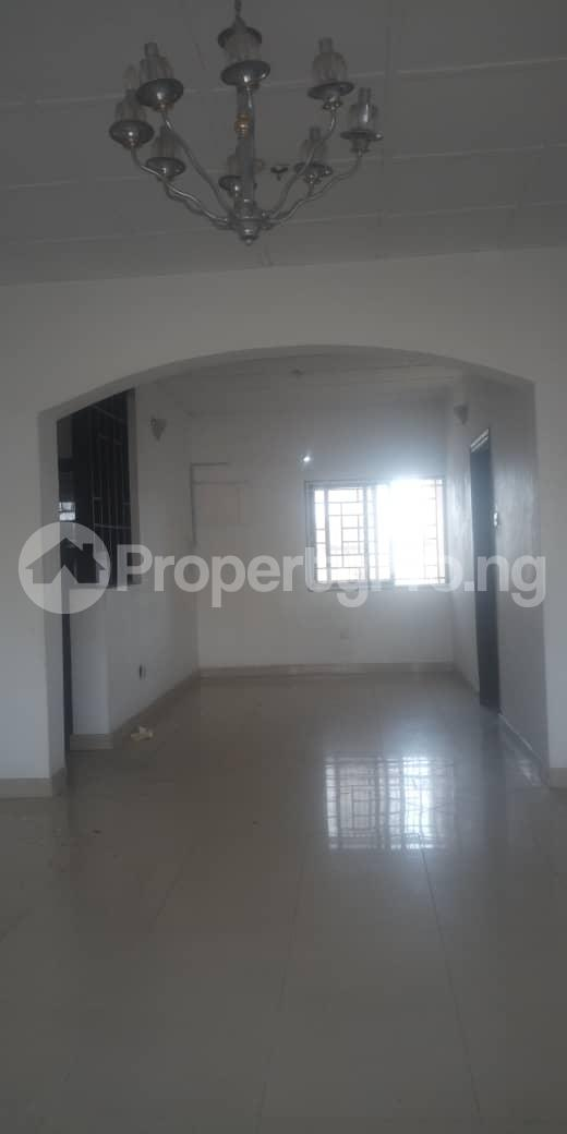 3 bedroom Blocks of Flats House for rent Femi OKUNNU Estate phase 3 Jakande Lekki Lagos - 1