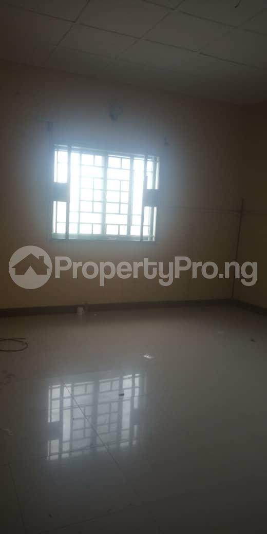 3 bedroom Blocks of Flats House for rent Femi OKUNNU Estate phase 3 Jakande Lekki Lagos - 5