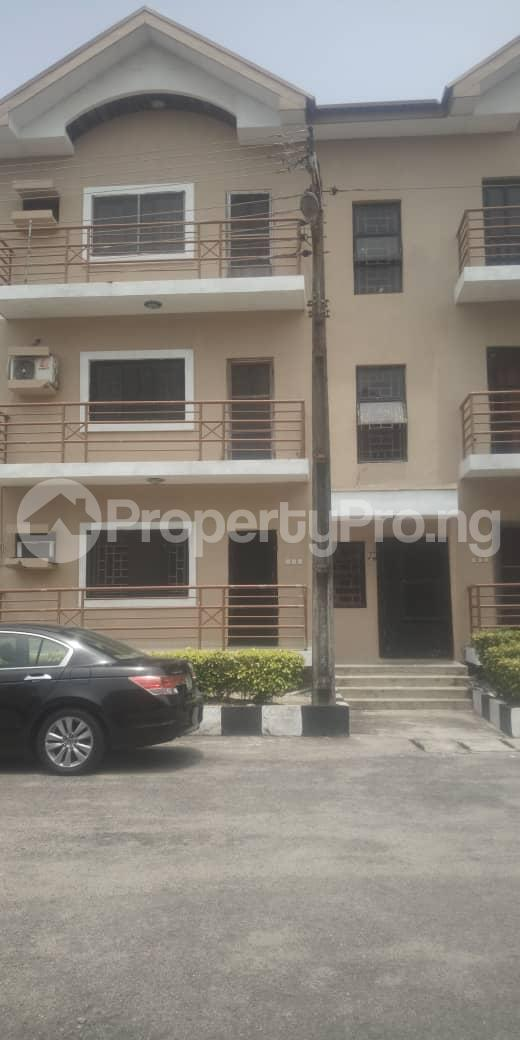 3 bedroom Blocks of Flats House for rent Femi OKUNNU Estate phase 3 Jakande Lekki Lagos - 0