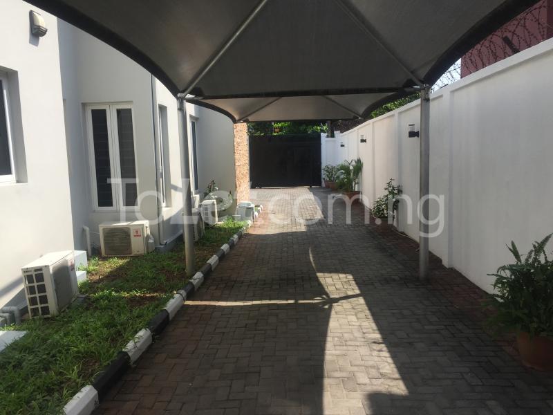 4 bedroom Detached Duplex House for shortlet Off Admiralty Way Lekki Phase 1 Lekki Lagos - 17