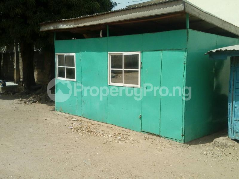 Warehouse Commercial Property for rent Beach Road Jos South Plateau - 3