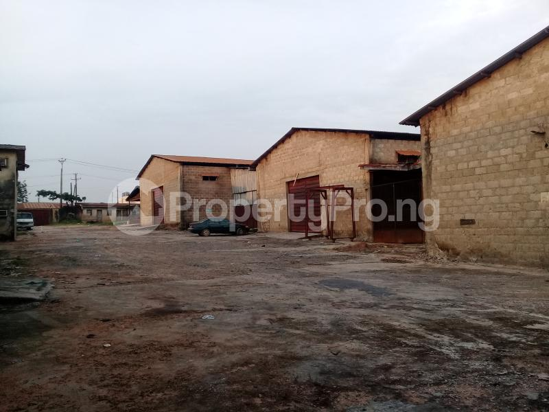 Commercial Property for rent Challenge Ibadan Oyo - 3