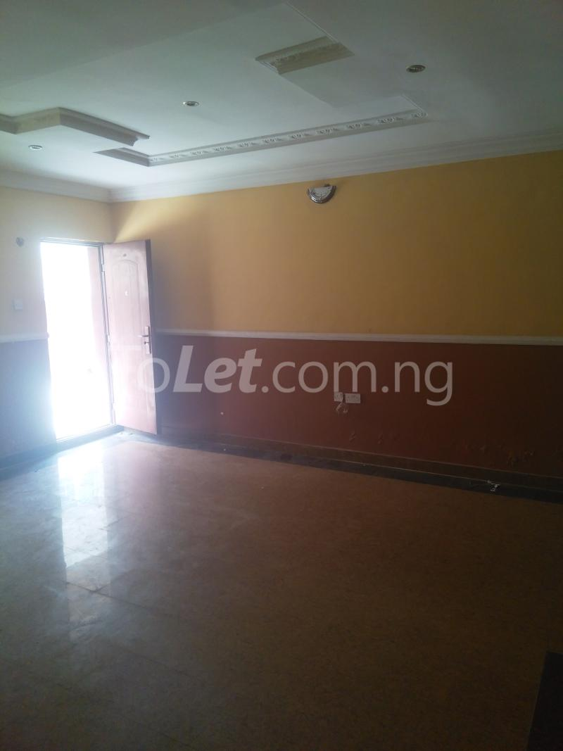 2 bedroom Flat / Apartment for rent BY CIRCLE MALL/ SHOPRITE ROAD Osapa london Lekki Lagos - 5