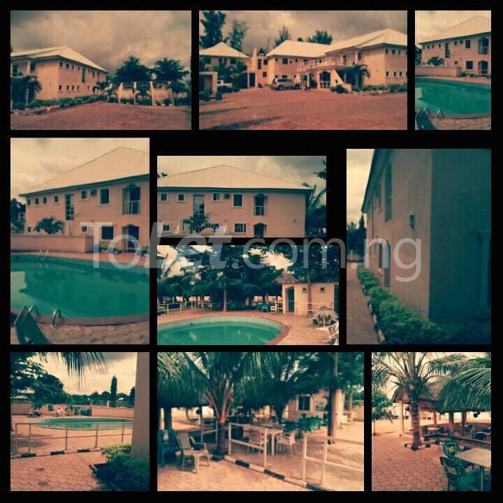 10 bedroom Commercial Property for sale  Near Odoma clinic iyogbo. Idah Kogi - 1