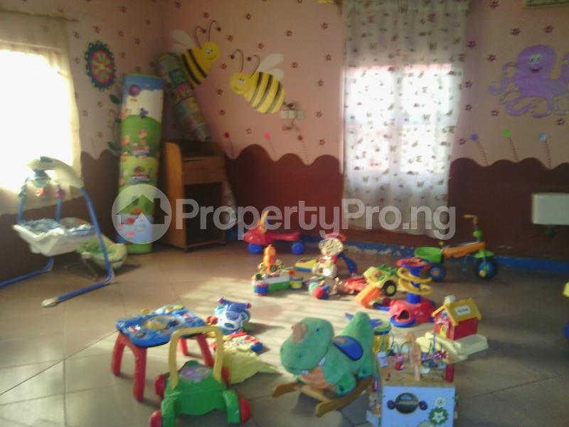 7 bedroom Detached Bungalow House for rent 50 bola ahmed tinubu road, ifako ijaiye , fagba, lagos Iju Lagos - 4