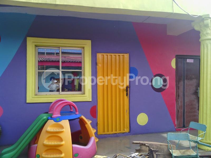 7 bedroom Detached Bungalow House for rent 50 bola ahmed tinubu road, ifako ijaiye , fagba, lagos Iju Lagos - 2