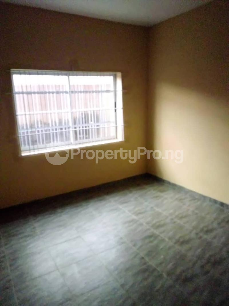 1 bedroom mini flat  Mini flat Flat / Apartment for rent Ejire Street off Karohunwi Street by Oduduwa Street  Kilo-Marsha Surulere Lagos - 2