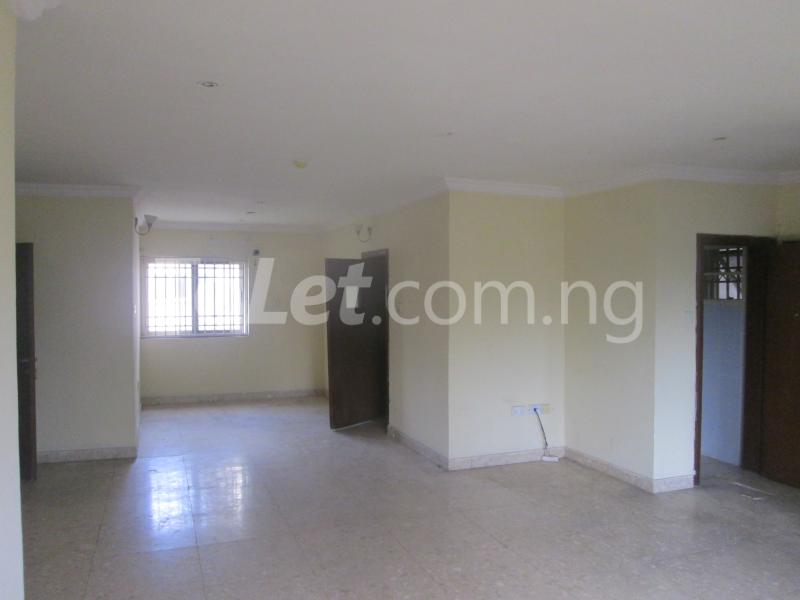 3 bedroom Flat / Apartment for rent Elegant Court, Ilaje Ajah Lagos - 14