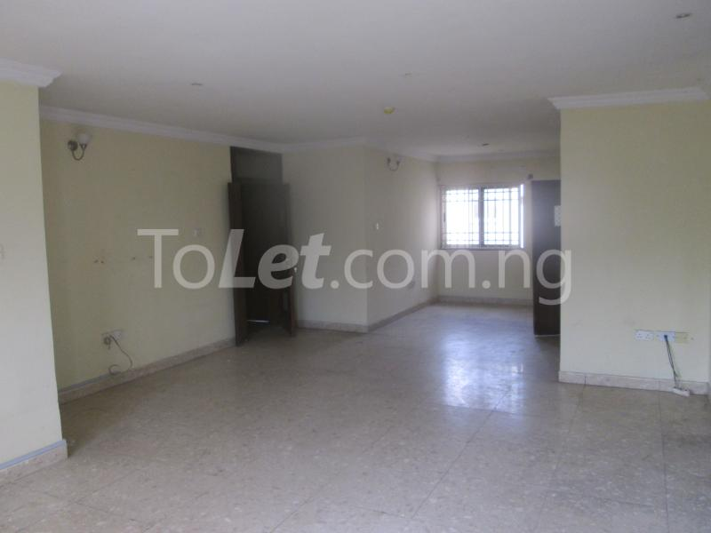 3 bedroom Flat / Apartment for rent Elegant Court, Ilaje Ajah Lagos - 13