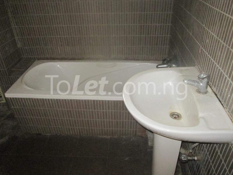 3 bedroom Flat / Apartment for rent Elegant Court, Ilaje Lekki Lagos - 32