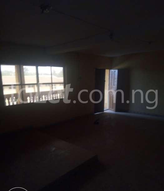 3 bedroom Flat / Apartment for rent oke oniti area Osogbo Osun - 3