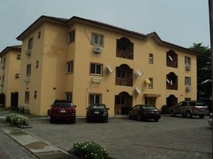 3 bedroom Boys Quarters Flat / Apartment for sale Common Wealth Estate. Badore Ajah Lagos