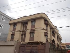 3 bedroom Flat / Apartment for rent osolo way, Oshodi Expressway Oshodi Lagos