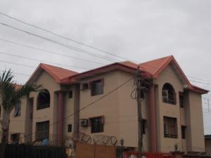 3 bedroom Flat / Apartment for rent adewale street. Oshodi Expressway Oshodi Lagos