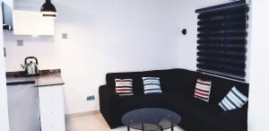 1 bedroom mini flat  Flat / Apartment for shortlet Lafiaji Dolphin Estate Ikoyi Lagos