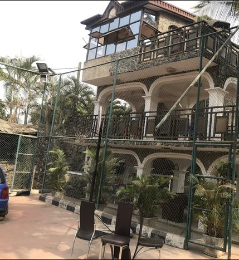 10 bedroom Hotel/Guest House Commercial Property for sale 15, iyaganku area Oluyole Estate Ibadan Oyo