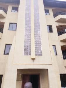 3 bedroom Shared Apartment Flat / Apartment for rent Sabo onike street  Onike Yaba Lagos