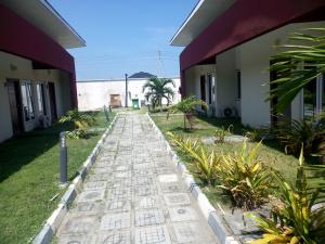 2 bedroom Terraced Bungalow House for sale Southpointe Estate, Orchid Hotel Road chevron Lekki Lagos