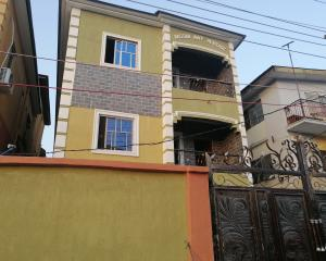 2 bedroom Blocks of Flats House for rent Oseni street  Lawanson Surulere Lagos