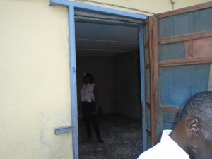 2 bedroom Flat / Apartment for rent off western avenue,By barracks,  Western Avenue Surulere Lagos
