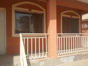 2 bedroom Blocks of Flats House for rent main street lugbe Lugbe Abuja