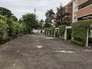 2 bedroom Blocks of Flats House for rent probyn road Bourdillon Ikoyi Lagos