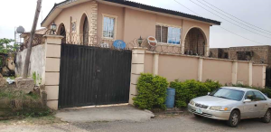 10 bedroom Semi Detached Duplex House for sale number 1 dejo dairo street behind total filling station adex bus stop monatan iwo road ibadan  Monatan Lagelu Oyo