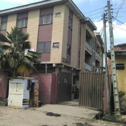 3 bedroom Flat / Apartment for sale Bolaji Omupo street, Off Pedro road Palmgroove Shomolu Lagos