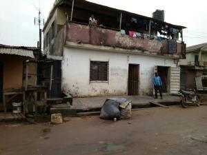 Self Contain Flat / Apartment for sale odogunyun, Ikorodu Ikorodu Ikorodu Lagos