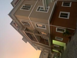 2 bedroom Flat / Apartment for rent Off palace  ONIRU Victoria Island Lagos