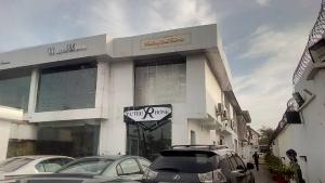 Shop in a Mall Commercial Property for rent Emma Abimbola road off Fola Osibo Lekki phase one  Lekki Phase 1 Lekki Lagos