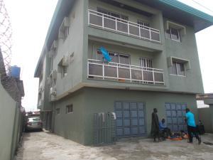 3 bedroom Flat / Apartment for rent Olaniyi  Street Off Pedro Shomolu Shomolu Lagos - 0