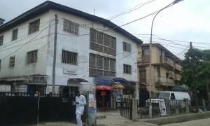 3 bedroom Flat / Apartment for rent Morocco Road Shomolu Shomolu Lagos - 0