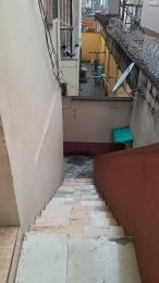2 bedroom Flat / Apartment for rent ekololu street off   Ogunlana Surulere Lagos
