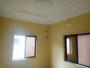2 bedroom Flat / Apartment for rent Lawani street off Western Avenue Western Avenue Surulere Lagos