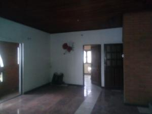 2 bedroom Flat / Apartment for rent ogunleye street off adekunle kuye Adelabu Surulere Lagos