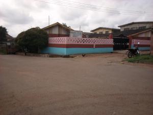 10 bedroom School Commercial Property