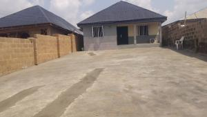 3 bedroom Terraced Bungalow House for sale Alakia isebo road Alakia Ibadan Oyo
