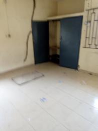 3 bedroom Blocks of Flats House for rent Ogunbekun off Pedro road, ladi lak Bariga Shomolu Lagos