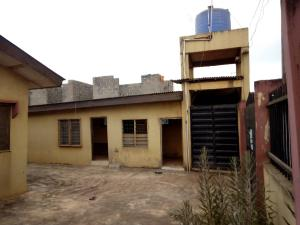 3 bedroom Blocks of Flats House for sale SAGAMU ROAD,OGIJO BUS/STOP Sagamu Sagamu Ogun