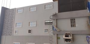 3 bedroom Flat / Apartment for rent Onike, Yaba.  Onike Yaba Lagos