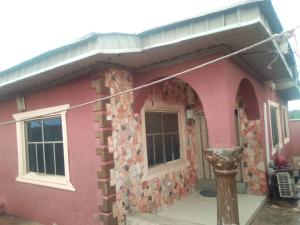 4 bedroom Detached Bungalow House for sale 3 bedroom bungalow at Olupoyi Apata after After Bembo ibadan Oluyole Estate Ibadan Oyo