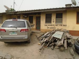 3 bedroom House for sale - Western Avenue Surulere Lagos