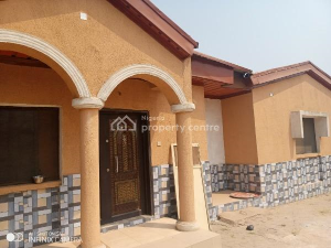 3 bedroom Detached Bungalow House for rent ajuwon Yakoyo/Alagbole Ojodu Lagos