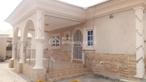 3 bedroom Detached Bungalow House for rent gwarinpa Life Camp Abuja
