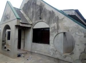 3 bedroom Detached Bungalow House for sale Jeje area, apete Ibadan polytechnic/ University of Ibadan Ibadan Oyo
