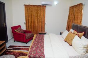 3 bedroom Flat / Apartment for sale opic estate, Berger Ojodu Lagos