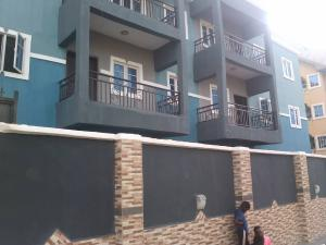 3 bedroom Flat / Apartment for rent 3 bedroom flat and their 's water runing all the rooms, Location Ezinifite street off Ebony paint raod Enugu Enugu
